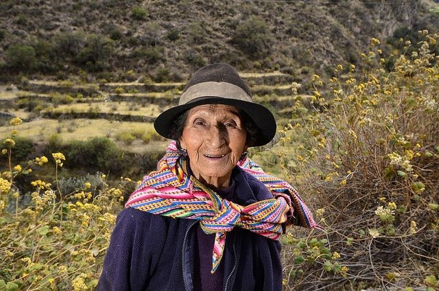 Farmer in the upper region of the Cañete Basin. Photo Credit: Neil Palmer/CIAT