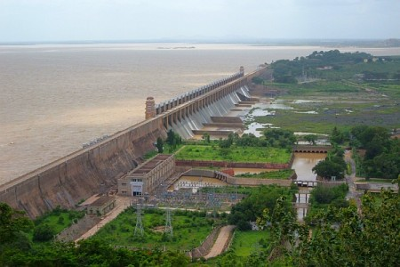 Panoramic view of dam in Africa IWMI full